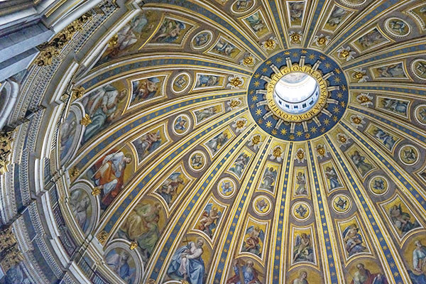 Interno-cupola-di-San-Pietro