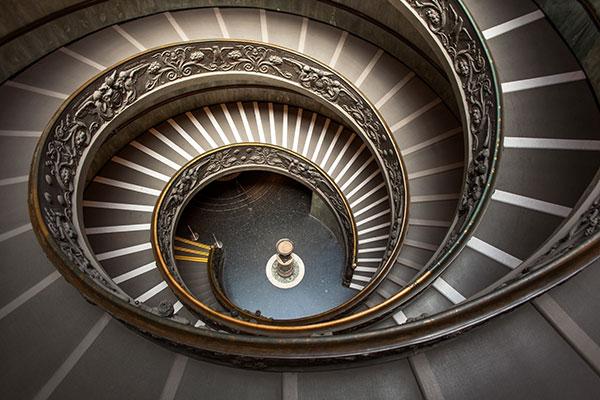 Scala-a-chiocciola-in-Vaticano
